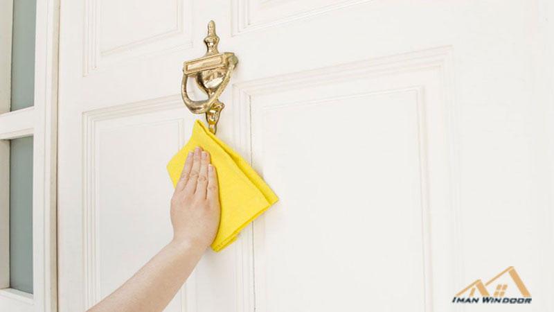 تمیز کردن درب ضد سرقت